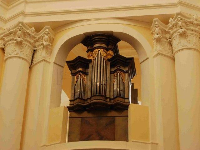 kaple-anna-santini1 2